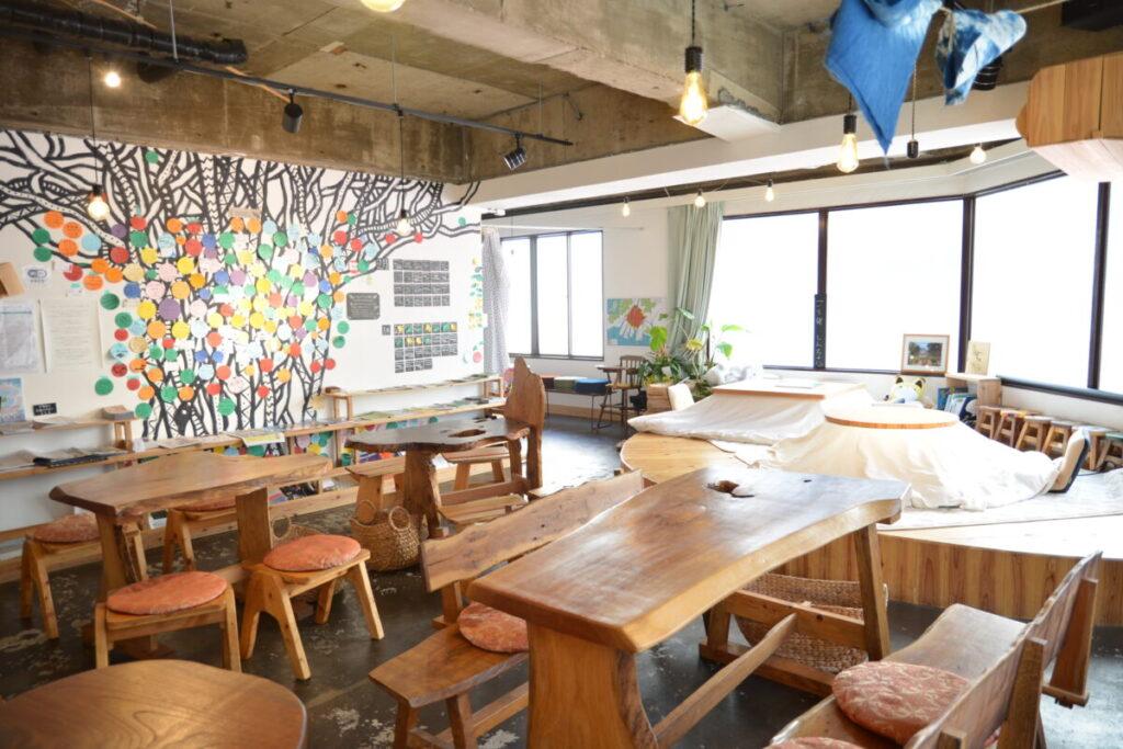 Social Book Cafeハチドリ舎